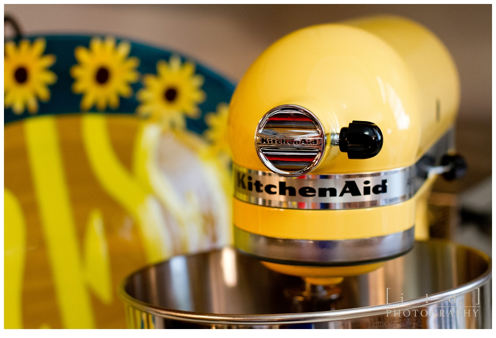 A KITCHEN AID STAND MIXER! Now I Know Many Of You Are Thinking Big Whoop.  But To Me This Is Like Being That Little Girl Who Finally Got The Pony  Sheu0027s ...